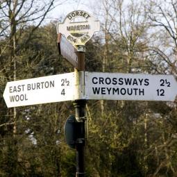 Moreton Signpost