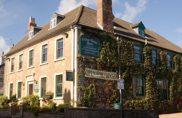 Bridge House Hotel