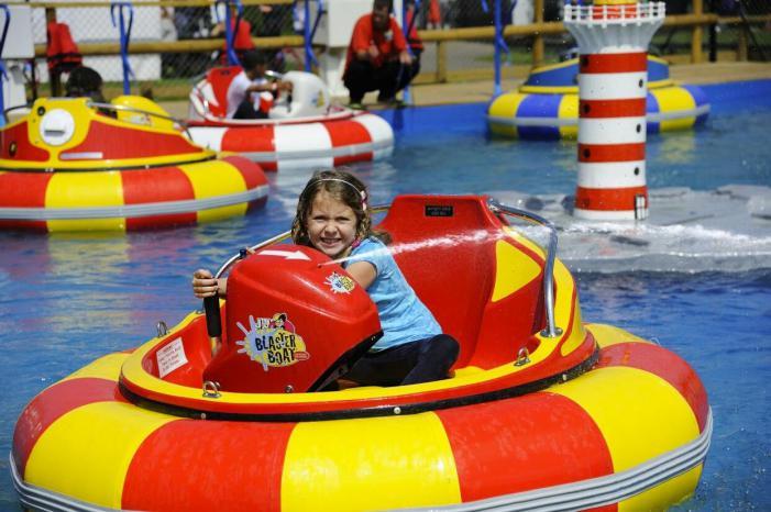 Adventure Wonderland bumper boats