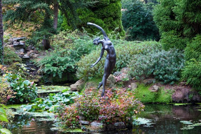 Compton Acres gardens